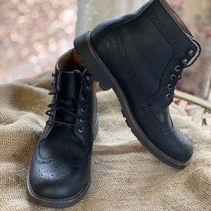 G.H. Bass Company Black Leather Bronco Boots 8.5M